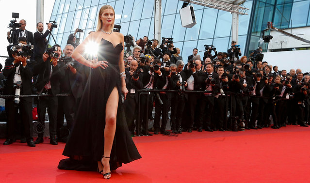 """German model Toni Garrn arrives for the screening of """"Loving"""" during the 69th annual Cannes Film Festival, in Cannes, France, 16 May 2016. The movie is presented in the Official Competition of the festival which runs from 11 to 22 May. (Photo by Ian Langsdon/EPA)"""