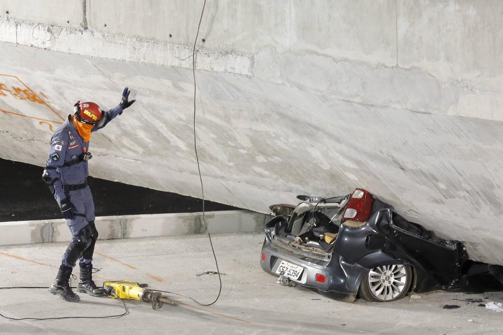 Construction Bridge Collapses in Brazil