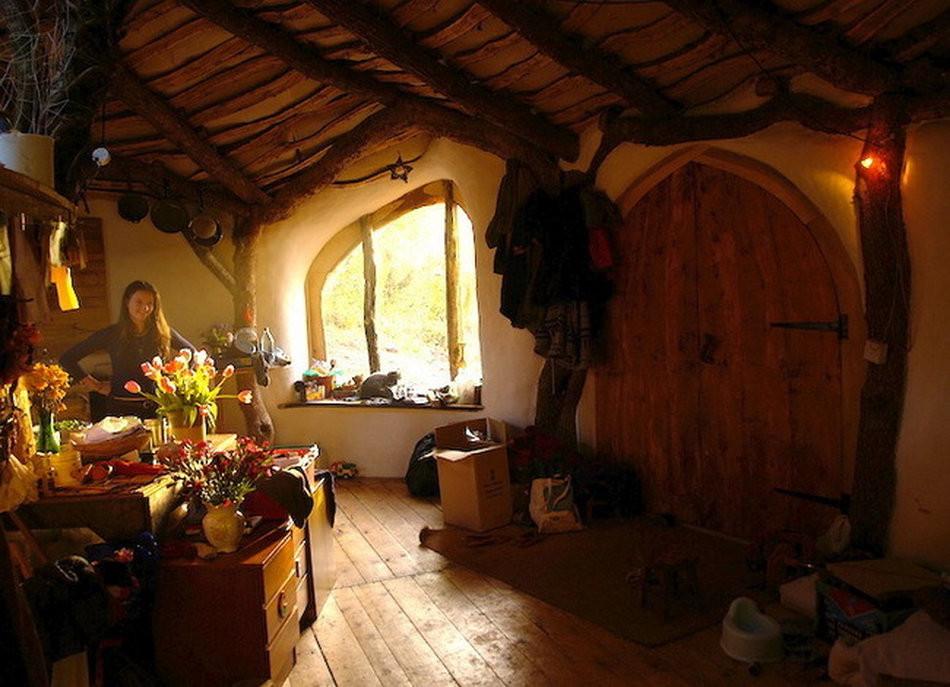 Hobbit House by Simon Dale