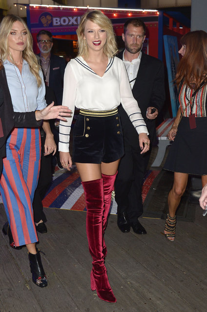 Taylor Swift attends the #TOMMYNOW Women's Fashion Show during New York Fashion Week at Pier 16 on September 9, 2016 in New York City. (Photo by Gustavo Caballero/Getty Images for Tommy Hilfiger)