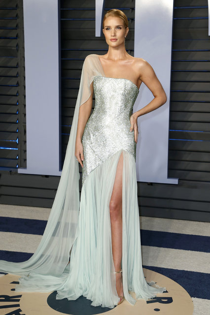 Rosie Huntington-Whiteley attends the 2018 Vanity Fair Oscar Party hosted by Radhika Jones at the Wallis Annenberg Center for the Performing Arts on March 4, 2018 in Beverly Hills, California. (Photo by Danny Moloshok/Reuters)