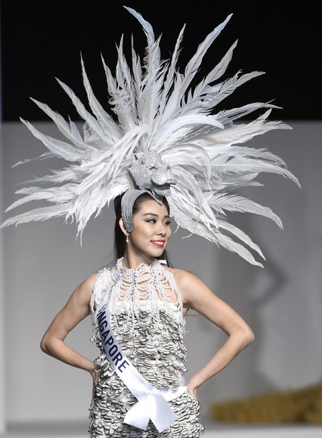 Miss Singapore Roxanne Zhang displays her national costume during the Miss International Beauty Pageant 2015 in Tokyo, Japan, 05 November 2015. (Photo by Franck Robichon/EPA)