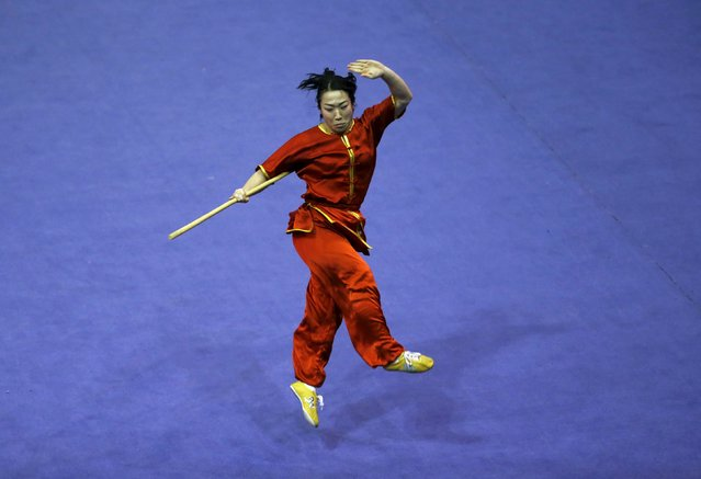 Japan's Erika Kojima competes in the women's nangun final during the 13th World Wushu Championship 2015 at Istora Senayan stadium in Jakarta, November 17, 2015. (Photo by Reuters/Beawiharta)
