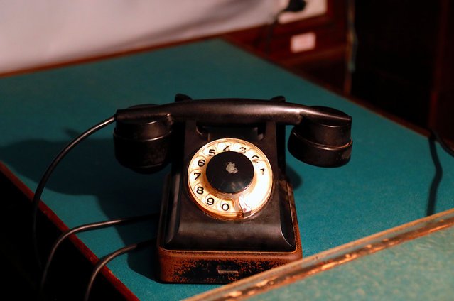 A telephone sits on a desk inside Stalin's Bunker, a bunker complex built in 1942 as an alternative headquarters for the Soviet Union leader Joseph Stalin in Samara, Russia, on Tuesday, June 26, 2018. (Photo by David Gray/Reuters)