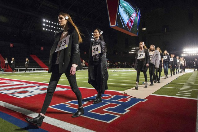 Models walk during rehearsals for the Tommy Hilfiger Fall/Winter 2015 collection presentation at the New York Fashion Week February 16, 2015. (Photo by Andrew Kelly/Reuters)