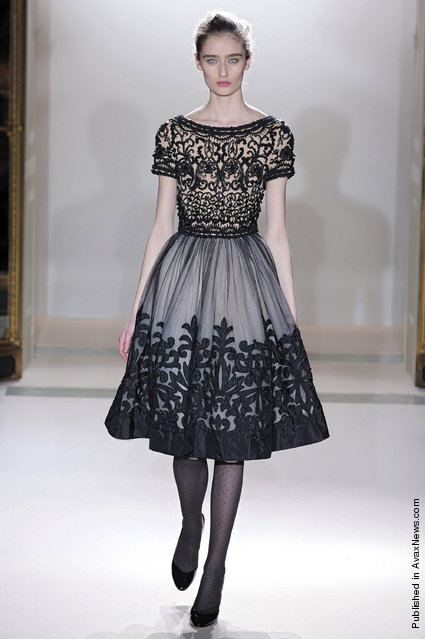 Collette Dinnigan - Runway RTW - Autumn Winter 2011 - Paris Fashion Week