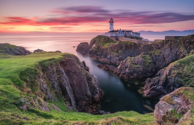 Putzu shot this incredible scene in Fanad-head, Northern Ireland. (Photo by Alessio Putzu/Caters News Agency)