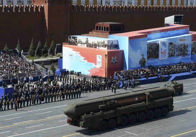 A Russian RS-24 Yars/SS-27 Mod 2 solid-propellant intercontinental ballistic missile is pictured during the Victory Day parade at Red Square in Moscow, Russia, May 9, 2015. (Photo by Reuters/Host Photo Agency/RIA Novosti)