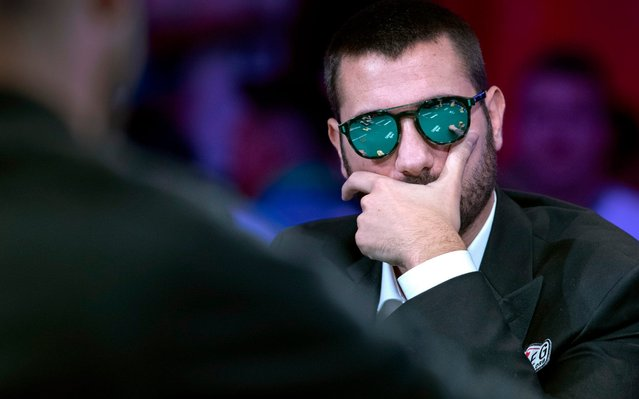 Dario Sammartino, of Italy, competes at the final table during the World Series of Poker at the Rio hotel-casino in Las Vegas Sunday, July 14, 2019. (Photo by Steve Marcus/Las Vegas Sun via AP Photo)