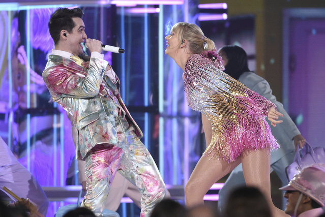 """Brendon Urie, left, and Taylor Swift perform """"Me!"""" at the Billboard Music Awards on Wednesday, May 1, 2019, at the MGM Grand Garden Arena in Las Vegas. (Photo by Chris Pizzello/Invision/AP Photo)"""