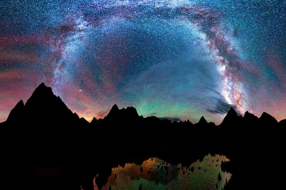 Rainbow-Like Stars