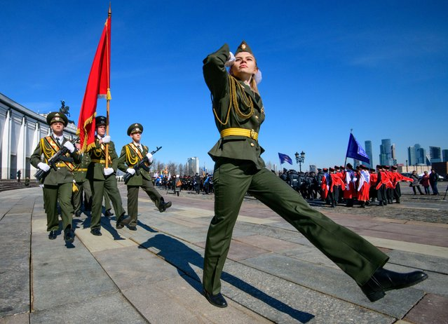 Russian cadets march during the annual cadet schools get-together in Moscow, Russia on March 30, 2018. (Photo by Mladen Antonov/AFP Photo)