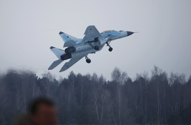 A new multi-role Russian MiG-35 fighter takes off during its international presentation at the MiG plant in Lukhovitsy outside Moscow, Russia January 27, 2017. (Photo by Maxim Shemetov/Reuters)