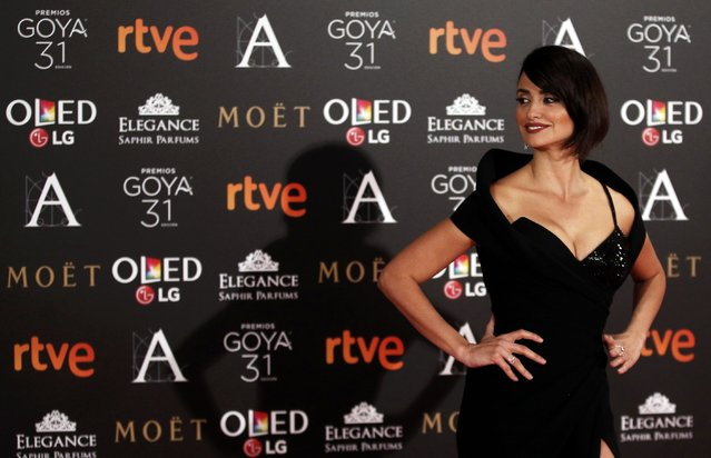 Penelope Cruz poses on the red carpet at the Spanish Film Academy's Goya Awards ceremony in Madrid, Spain, February 4, 2017. (Photo by Juan Medina/Reuters)