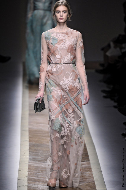 Valentino - Runway RTW - Autumn Winter 2011 - Paris Fashion Week