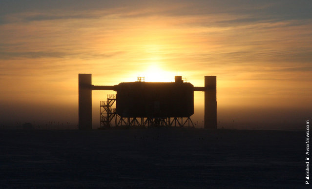 A silhouette of the IceCube neutrino detector facility at Amundsen-Scott South Pole Station, sen on April 2nd, 2008. There are 2 towers, east and west for receiving cables from the large matrix of detectors buried in the ice below