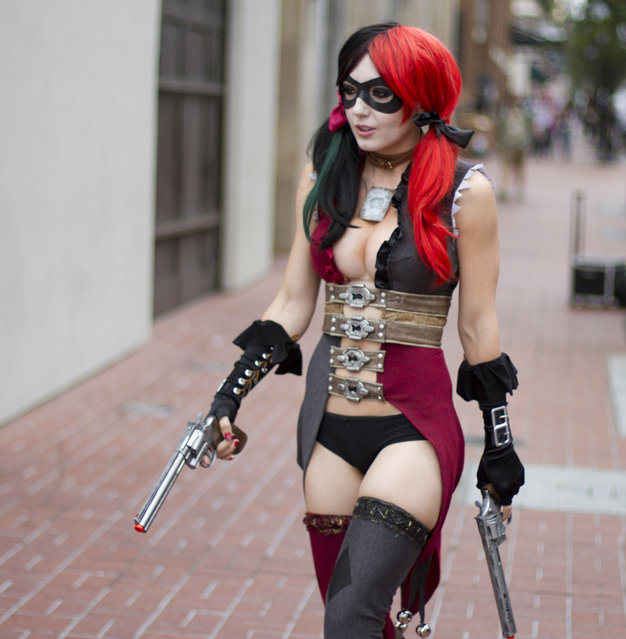 Jessica Nigri as Harley Quinn (Netherealm version)
