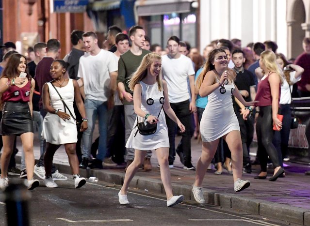 Everyone in this picture still looks relatively fresh-faced as they explore the university town of Portsmouth, Hampshire on September 21, 2016. (Photo by Paul Jacobs/PictureExclusive.com)