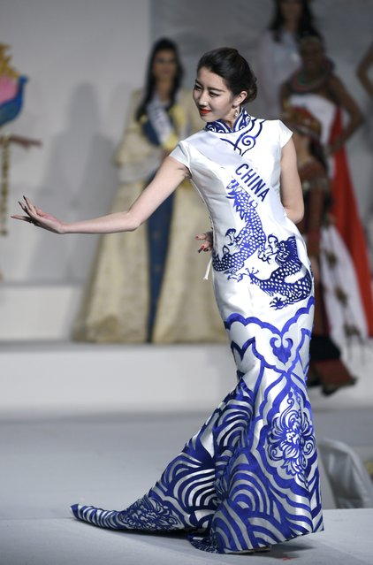 Miss China Liu Xinyue displays her national costume during the Miss International Beauty Pageant 2015 in Tokyo, Japan, 05 November 2015. (Photo by Franck Robichon/EPA)
