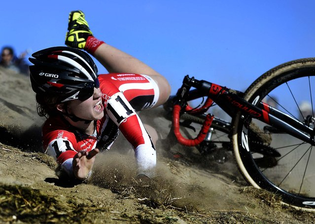 Emma White, of Team Cyclocrossworld, hits the dirt hard during the USA Cycling Cyclo-cross National Championship Elite Women's race at the Valmont Bike Park in Boulder, Colorado, on January 12, 2014. (Photo by Jeremy Papasso/The Daily Camera)