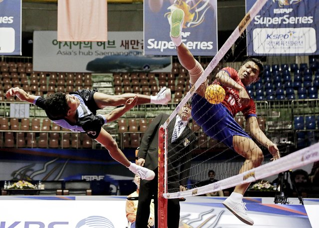 Sepak Takraw – ISTAF Super Series Korea 2014-15 – Gunsan City, South Korea, on April 23, 2015: Malaysia against Myanmar during their men's group stage match. (Photo by Vivek Prakash/Reuters/Action Images)