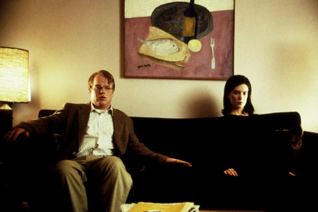 """""""Happiness"""", Philip Seymour Hoffman, Lara Flynn Boyle, 1998. (Photo by Lions Gate Films/Everett Collection)"""