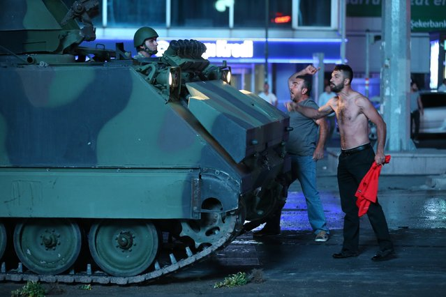 People react against uprising attempt from within the army in Ankara, Turkey on July 16, 2016. (Photo by Sinan Yiter/Anadolu Agency/Getty Images)