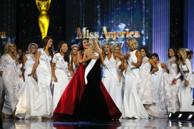 Beauty contestants react after Miss Arkansas Savvy Shield was named  Miss America 2017, Sunday, September 11, 2016, in Atlantic City, N.J. (Photo by Noah K. Murray/AP Photo)