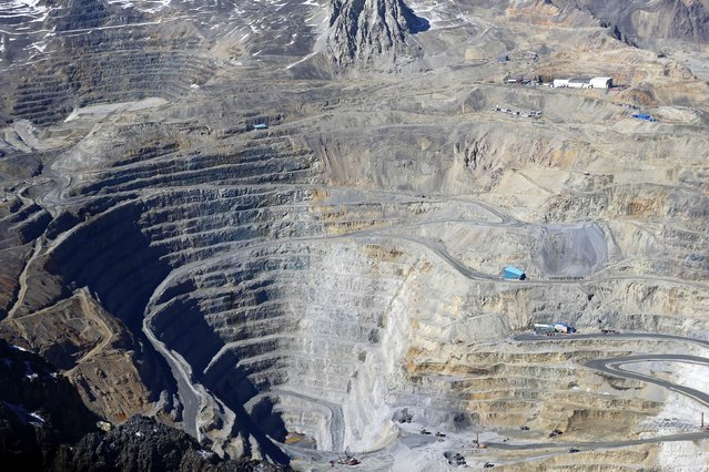 An aerial view of the open pit of CODELCO'S Andina at Los Andes Mountain range, near Santiago city, November 17, 2014. (Photo by Ivan Alvarado/Reuters)