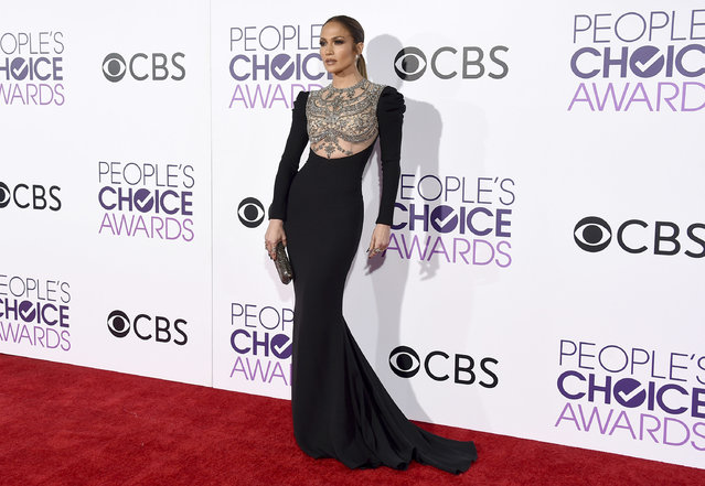 Jennifer Lopez arrives at the People's Choice Awards at the Microsoft Theater on Wednesday, January 18, 2017, in Los Angeles. (Photo by Jordan Strauss/Invision/AP Photo)