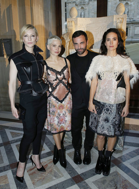 """Cate Blanchett, Michelle Williams, Nicolas Ghesquiere and Jennifer Connelly attend the """"LVxKOONS"""" exhibition (Louis Vuitton and Jeff Koons Collaboration) at Musee du Louvre on April 11, 2017 in Paris, France. (Photo by Bertrand Rindoff Petroff/Getty Images)"""