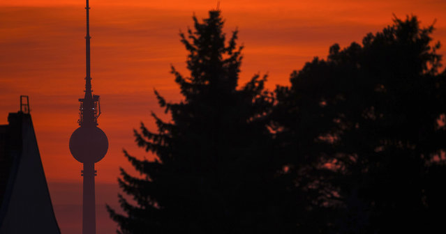 A television tower is pictured during sunset in Berlin  October 18, 2014. (Photo by Hannibal Hanschke/Reuters)