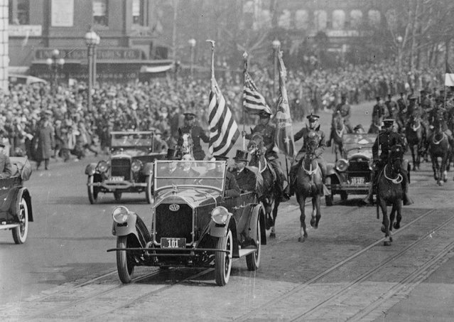 President Calvin Coolidge rides in a car during his inaugural parade in Washington, D.C., U.S. in March 1925. (Photo by Reuters/Library of Congress)