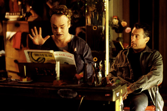 """Flawless"", Philip Seymour Hoffman, Robert De Niro, 1999, sheet music. (Photo by MGM/Courtesy Everett Collection)"