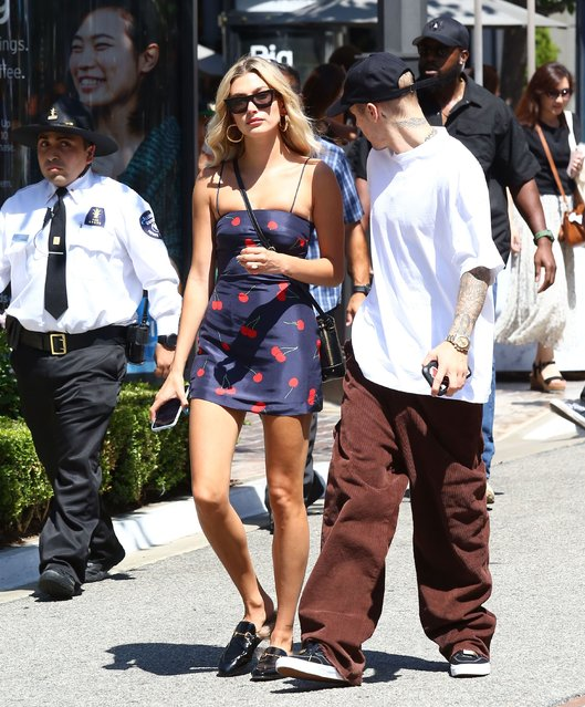 Justin Bieber and Hailey Baldwin hanging out at The Grove mall in Hollywood sunday August 11, 2019. (Photo by X17/SIPA Press)