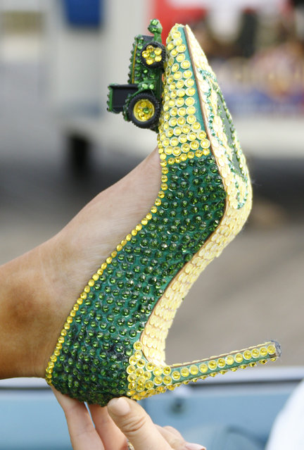 "A close look at Miss Illinois Jaryn Franklin's shoes during the 2017 Miss America pageant ""Show Us Your Shoes"" parade Saturday, September 10, 2016, in Atlantic City. (Photo by Chris Szagola/AP Photo)"