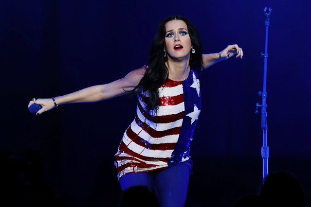 Singer Katy Perry sings during a concert and campaign rally for U.S. Democratic presidential nominee Hillary Clinton in Philadelphia, Pennsylvania, U.S., November 5, 2016. (Photo by Lucas Jackson/Reuters)