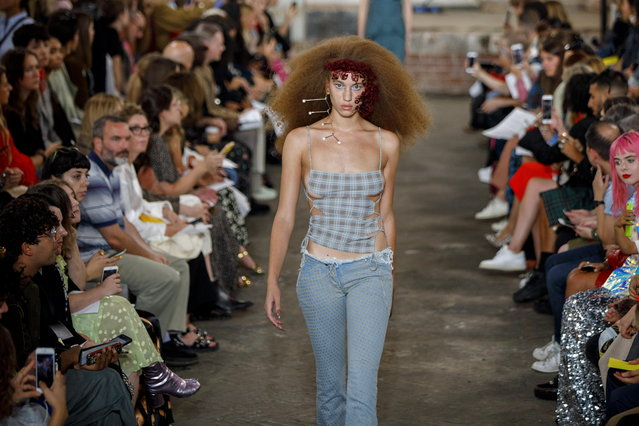 A model presents a creation by Fashion East at the London Fashion Week, in London, Britain, 16 September 2018. (Photo by Tolga Akmen/EPA/EFE)