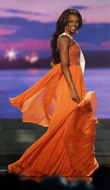 Miss Colorado Talyah Polee competes in the evening gown competition during the preliminary round of the 2015 Miss USA Pageant in Baton Rouge, La., Wednesday, July 8, 2015. (Photo by Gerald Herbert/AP Photo)