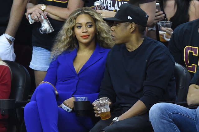 Jay-Z and Beyoncewatch the first quarter of game six of the NBA Finals between the Cavs and Warriors, 2016. (Photo by Ken Blaze/USA TODAY Sports)