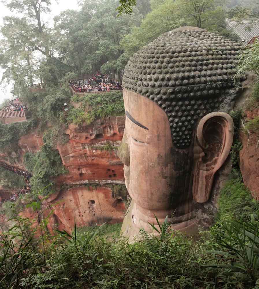 Buddha Statue In Leshan