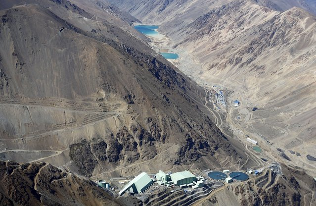An aerial view of Anglo American's Los Bronces copper mine at Los Andes Mountain range, near Santiago city, November 17, 2014. (Photo by Ivan Alvarado/Reuters)