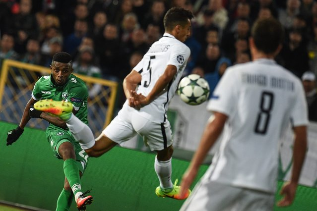 Jonathan Cafu of PFC Ludogorets Razgrad (L) in action against Marquinhos (C) and Thiago Motta (R) of Paris Saint-Germain (PSG) during their UEFA Champions League Group A soccer match between Ludogorets Razgrad and Paris Saint-Germain at Vassil Levski Stadium in Sofia, Bulgaria, 28 September 2016. (Photo by Vassil Donev/EPA)