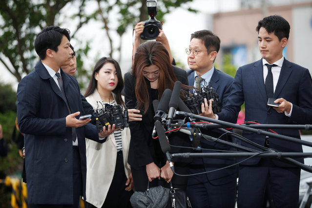 Cho Hyun-min, a former Korean Air senior executive and the younger daughter of the airline's chairman Cho Yang-ho, arrives at a police station in Seoul, South Korea, May 1, 2018. The Korean Air heiress has apologized in her first public appearance as a suspect in an abuse of power case as public calls urging her family to resign grow. (Photo by Kim Hong-Ji/Reuters)