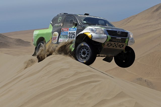 Toyota driver Yazeed Alrajhi of Saudi Arabia drives during the sixth stage of the Dakar Rally 2015, from Antofagasta to Iquique, January 9, 2015. (Photo by Jean-Paul Pelissier/Reuters)