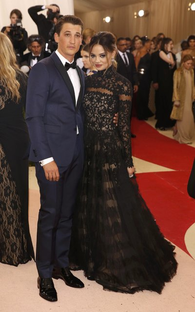 """Actor Miles Teller and Keleigh Sperry arrive at the Metropolitan Museum of Art Costume Institute Gala (Met Gala) to celebrate the opening of """"Manus x Machina: Fashion in an Age of Technology"""" in the Manhattan borough of New York, May 2, 2016. (Photo by Lucas Jackson/Reuters)"""