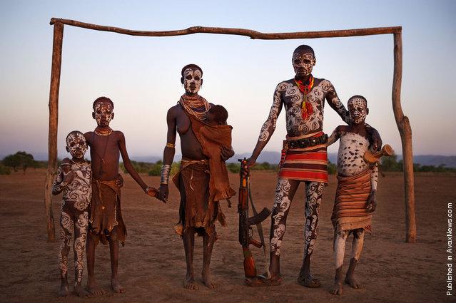Karo people in the Omo Valley, South West Ethiopia. Dus, Omo Valley, Ethiopia, January 2008