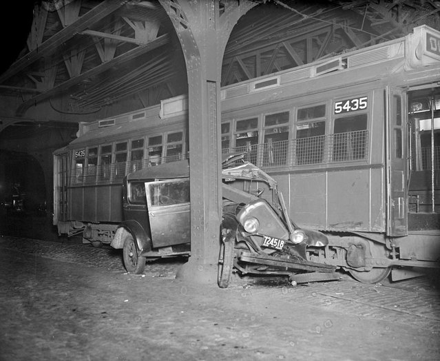 Car crushed by trolley – North Hampton and Washington Sts., 1932. (Photo by Leslie Jones)