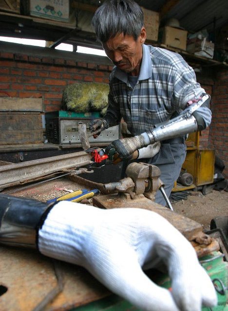 Farmer Builds Own Bionic Arms
