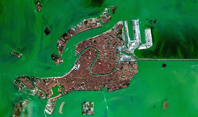 Venice, Italy. (Photo by Benjamin Grant/Digital Globe/Caters News)